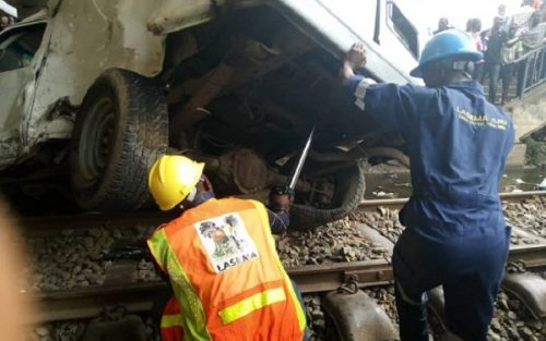 Monday Rush: Speeding Bus Rams Into Train In Oshodi, Lagos {Video}, Conquest Online Magazine