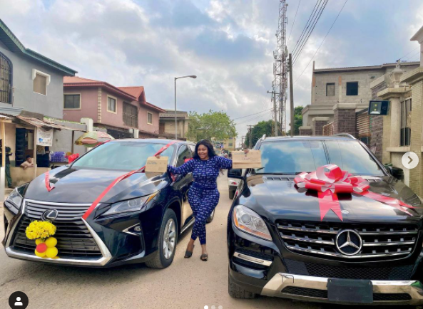 Actress Biodun Okeowo 'Omoborty' has shown off the new cars she recently got. The actress, Conquest Online Magazine