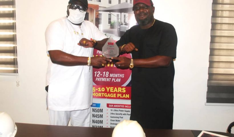It was a double celebration today February 18th 2021 at the Head office of Metro and Castle where Mr Adekunle Abdul Conquest Online Magazine